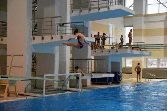 Прыжки в воду обучение детей взрослых в Минске